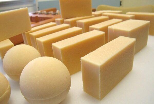 تعرف على طريقة صناعة الصابون النقي بأستخدام الزيت المستعمل